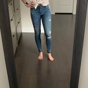 A&F Mid Rise Ankle Jeans